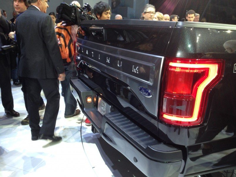 2015 Ford F-150 Platinum FordNAIAS
