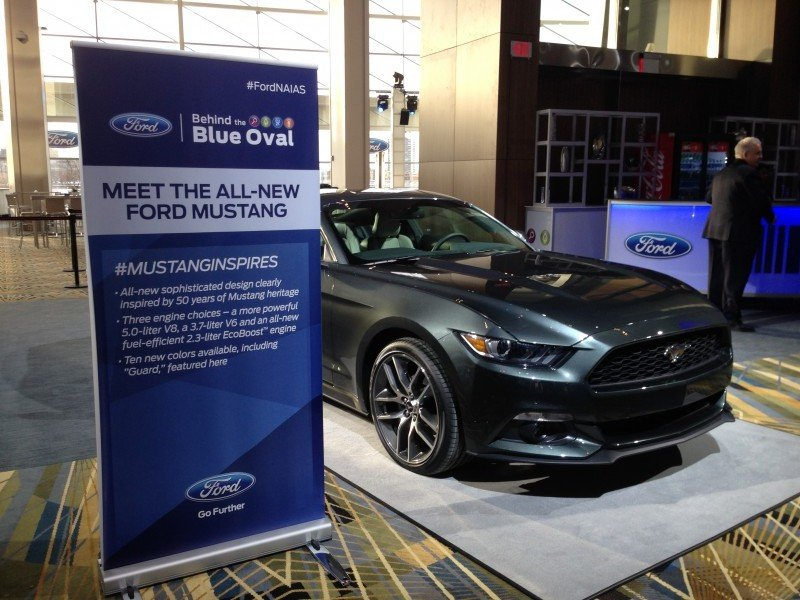 FordNAIAS 2015 Ford Mustang